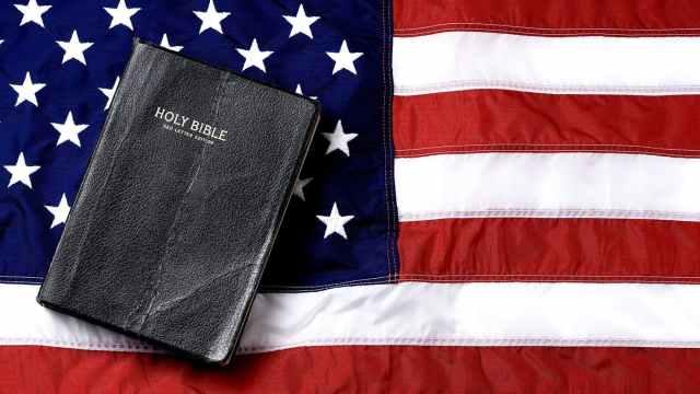 should-christians-be-patriotic-cntcmyoq